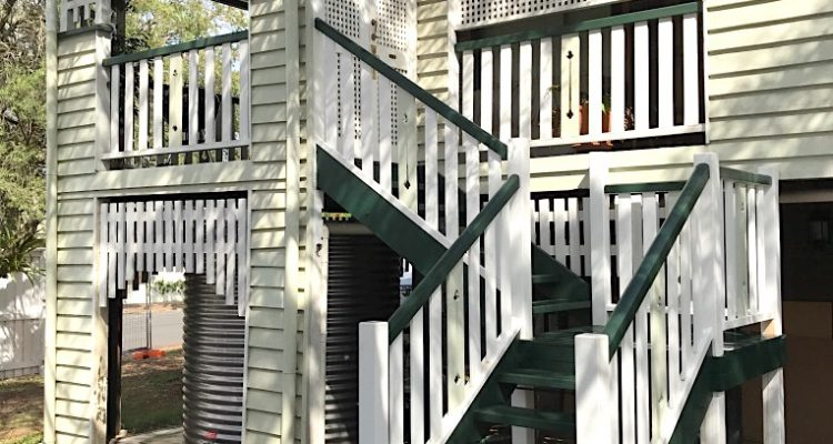 The new traditional/heritage style staircase was constructed to match the existing style of the verandah railings and feature panels. To do this, no off the shelf product was available, so Julian crafted the bespoke feature panels on the staircase from hardwood by hand. Nothing beats old school carpentry skills for this kind of project!
